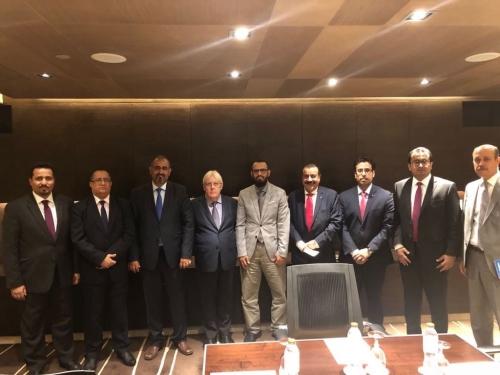 الرئيس الزبيدي يلتقي المبعوث الاممي غريفيت