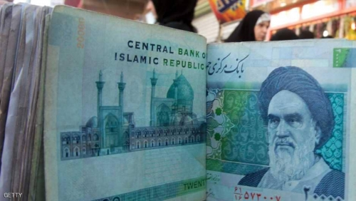 الأزمة تشتد.. النظام الإيراني يتدخل بعد انهيار العملة