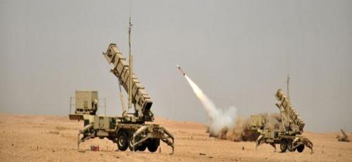 السعودية.. قوات الدفاع الجوي تعترض صاروخا في سماء الرياض