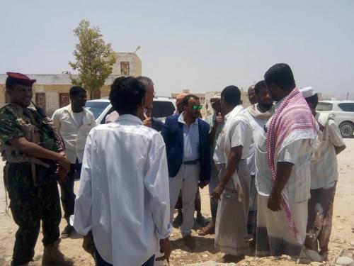 وكيل المهرة  ومدير الصحة يطلعان على إحتياجات مستشفى سيحوت الريفي