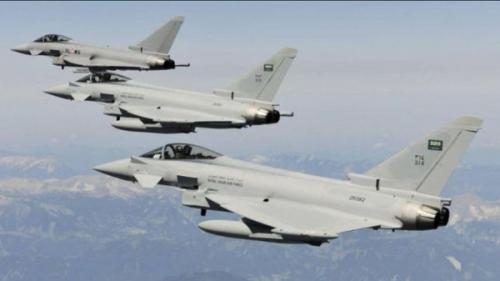 طيران التحالف يشن غارات جوية على مطار صنعاء الدولي