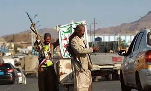 الحوثيون يقصفون على منازل المواطنين شرق تعز