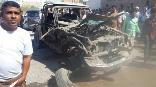 إصابة ثلاثة صحفيين يمنيين بصاروخ حوثي استهدف سيارتهم في البيضاء