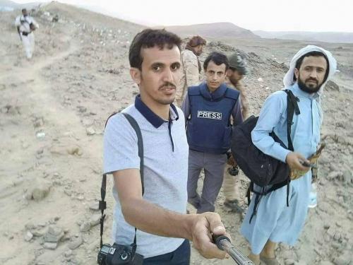 البيضاء :مقتل صحفي وإصابة ثلاثة بصاروخ حراري في جبهة قنا