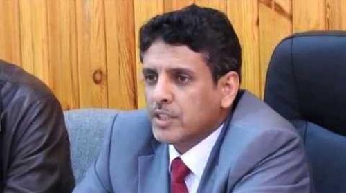 محافظ المهرة يوجه بصرف إعانات مالية لطلاب المحافظة الدارسين داخل وخارج اليمن