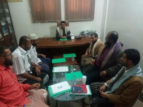 معلمون يمنيون يعترفون: الحوثيون أخضعونا لدورات طائفية