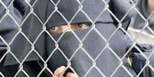 السجينات في معتقلات المليشيات.. معاناة وقصص محزنة