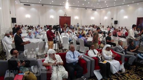 تغطية مصورة.. الهلال الأحمر الإماراتي يقيم مسابقة شعرية في عدن