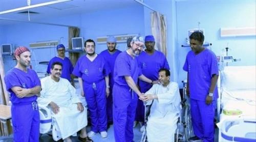 التحالف ينقل الفريق الطبي لمنظمة البلسم الدولية إلى المكلا