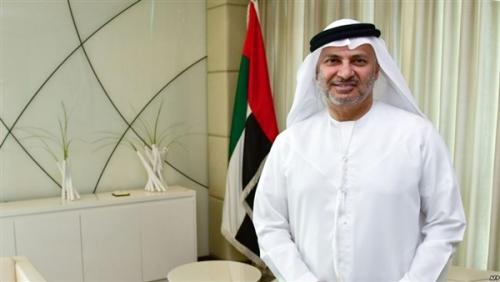 """""""قرقاش"""" يعلق على غياب أمير قطر عن القمة العربية بالسعودية"""