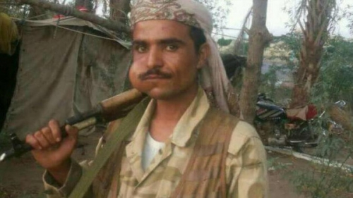 مقتل قيادات حوثية باشتباكات لسرقة المساعدات