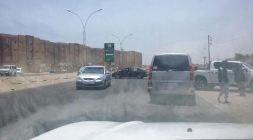 """قوات الأمن تنهي التوتر وتعيد فتح طريق (الحسوة - إنماء)بعد اشتباكات محدودة خلفت سقوط """"3"""" جرحى"""