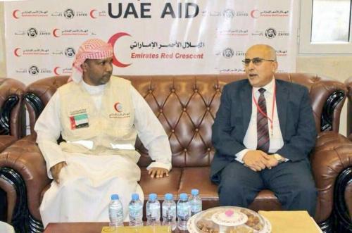 الهلال الأحمر الإماراتي ينسق الجهود مع اللجنة العليا للإغاثة اليمنية