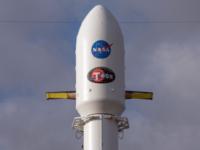 """""""سبيس إكس"""" تطلق صاروخا عليه تليسكوب لتعقب الكواكب"""