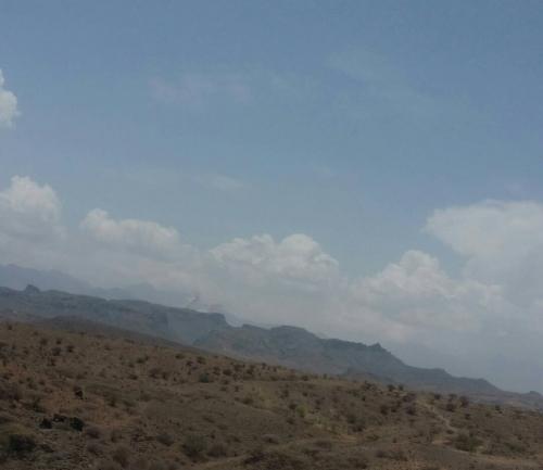 المقاومة والحزام يفرضان حصارا محكما على ميليشيات الحوثي في جبل القاهر في الراهدة