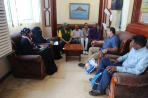 مدير مركز الملك سلمان يلتقي وفد منظمة اطباء عبر العالم بعدن