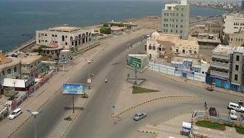 استشهاد امرأة بمقذوف حوثي سقط في حي سكني بالحديدة