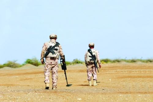 القوات الإماراتية.. دور كبير في تخفيف معاناة اليمنيين