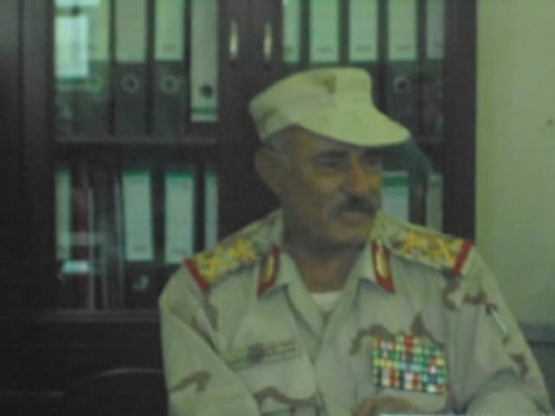 محافظ الضالع يعزي بوفاة الفقيد المناضل محمود القيسي