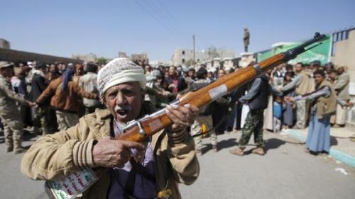 مليشيا الحوثي توزع أموالا على المشايخ وتفرض على خطباء المساجد التحشيد ( وثيقة )