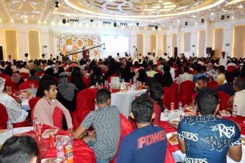 كلية الهندسة بجامعة عدن تحتفي بتكريم أوائل الطلاب والخريجين للأعوام (2014 -2017)