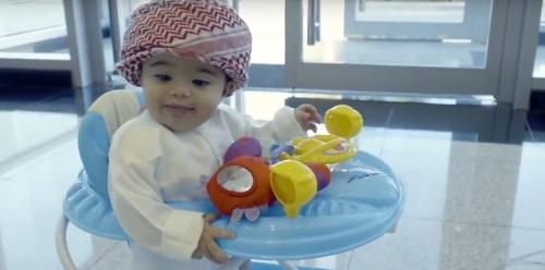 """هيئة الطيران الإماراتية: تعيين طفل بمنصب رسمي إجراء """"رمزي"""""""