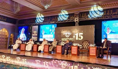مستشار ملك البحرين يطرد قناة الجزيرة من ملتقى الإعلام العربي بالكويت