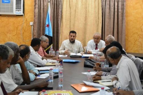 اجتماع للقيادة المحلية ورؤساء المديريات بعدن للاستعداد لحفل عدن التاريخي