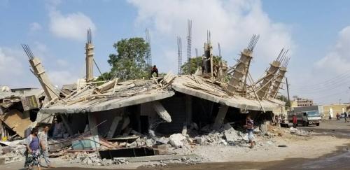 لليوم الثاني على التوالي : أمن عدن يواصل حملة إزالة الأبنية العشوائية بمديرية المنصورة