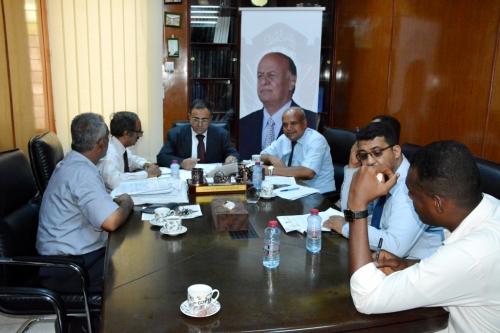 د. لصور يترأس اجتماعاً باللجنة الخاصة بالإشراف وإعداد وثائق مشروع التطوير الأكاديمي