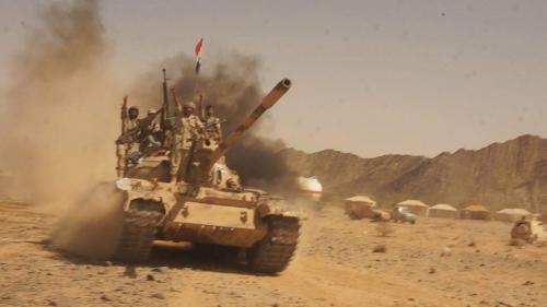 """صعدة..قوات الجيش تمشط السلسلة الجبلية في """"مندبة """"عقب دحر المليشيا منها"""
