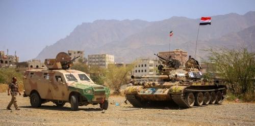 الجيش اليمني يحرر جبلينِ خلال تقدمه بمحور الشريجة