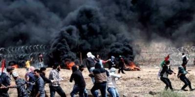 فلسطينيون يقتحمون السياج بين غزة وإسرائيل