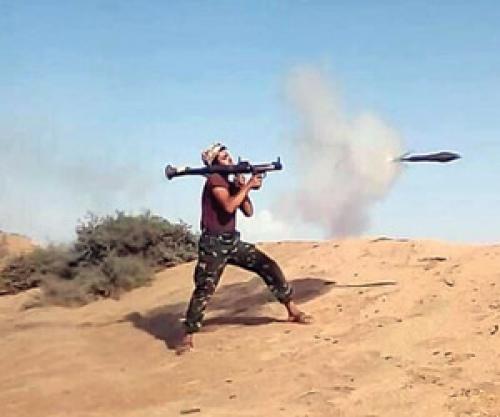 قائد حوثي يسلّم نفسه لقوات التحالف في منفذ علب