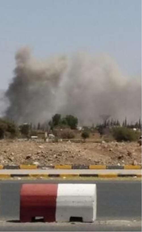 فرار المئات من مشيعي الصماد بعد استهداف التحالف آليات للمليشيا خلف منصة السبعين