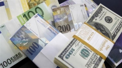 الدولار يعزز مكاسبه واليورو قرب أقل مستوى منذ 3 أشهر