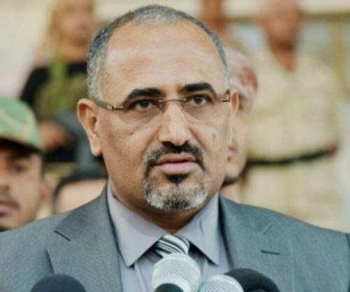 الزُبيدي يُعزي الناشط الجنوبي عبدالناصر الهمام في وفاة والده