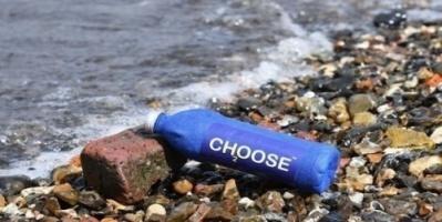 شركة تطور عبوات مياه ورقية صديقة للبيئة