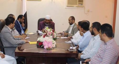 وزارة الأوقاف تناقش الاستعدادات الجارية لموسم الحج