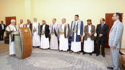 الصراعات مستمرة .. عم زعيم الحوثي يتمرد في صنعاء
