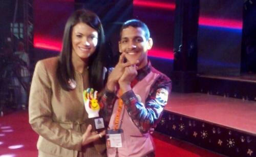 """أحمد """" طفل عدني """" من ذوي القدرات الخاصة يفوز بجائزة أوسكار في الملتقى الدولي الثاني بمصر"""