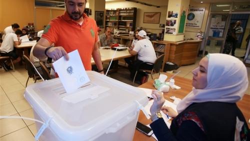 نتائج أولية : حزب الله يفوز بأكثر من نصف مقاعد البرلمان اللبناني