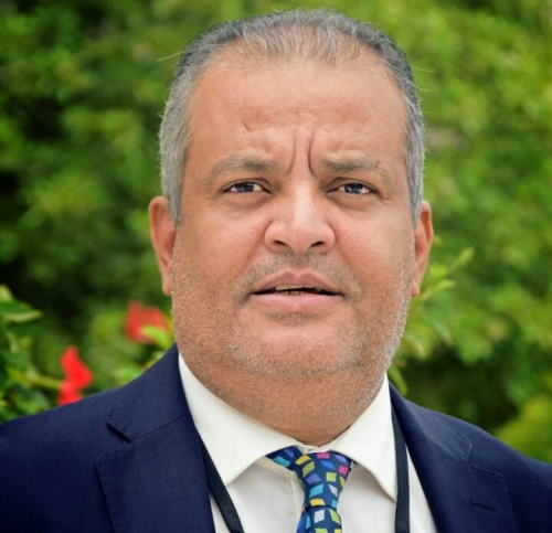سياسي جنوبي : الحكومة انبطحت خلف قطر واصبحت معول بيد الإصلاح لطعن التحالف العربي