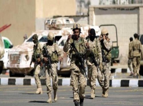 مليشيات الحوثي تصادر أسلحة مرافقي عدد من وزراء المؤتمر وتفرض عليهم الاقامة الجبرية (أسماء)