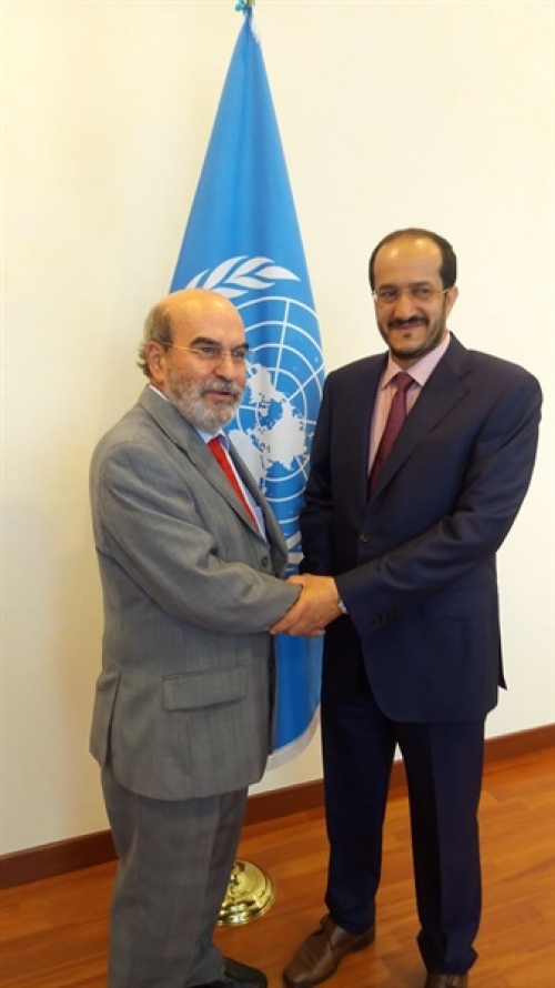 """وزير يمني يبحث مع """"الفاو"""" إمكانية دعم سبل العيش للمزارعين"""