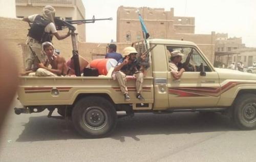 إصابة «8» جنود من قوات الحزام الامني اثر استهداف مركبتهم بعبوة ناسفة في أبين