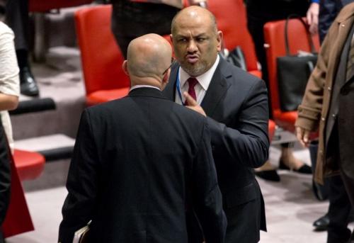 صحيقة دولية : إخوان اليمن يختطفون الدبلوماسية في حكومة هادي خدمة لأجندات خارجية