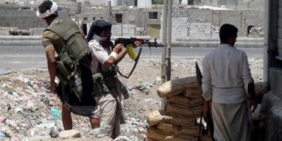 قتيل وجرحي فى شتباكات مسلحة بين عصابات فى سوق شعبي غرب مدينة تعز