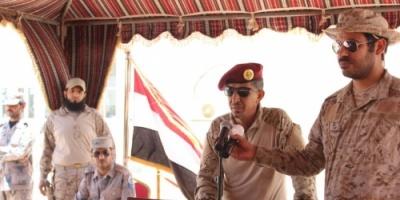 قائد قوات التحالف العربي بالمهرة يزفّ بشرى بتخصيص مبلغ مليارين و(231) مليون ريال سعودي لتنمية المحافظة