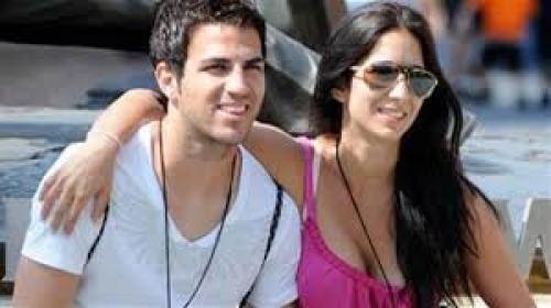 بالصور.. قصة حب لاعب تشيلسي فابريغاس وحسناء لبنانية